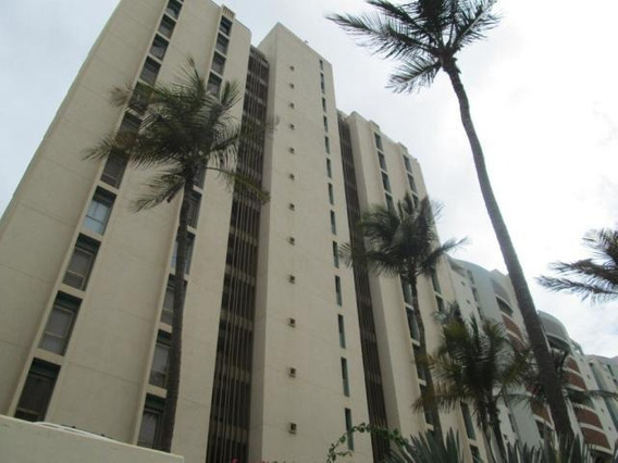 Apartamentos En Venta Playa Grande 20-10855 Rah Samanes