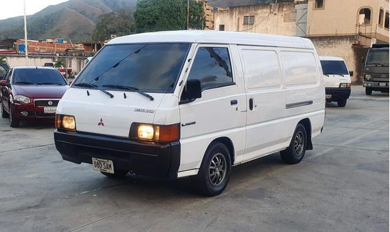 Mitsubishi Panel L300 2007
