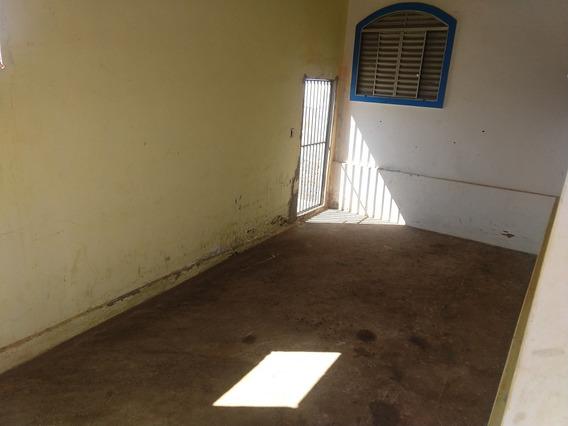 Casa De 2 Quarto Um Banheiro Sala Conzinha Garagem Quintal