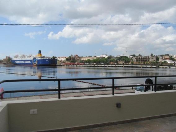 Apartamento En Venta En Zona Colonial Frente Al Puerto Sans