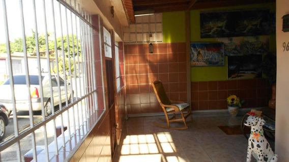 Casa En Las Quintas 20-7115 Raga