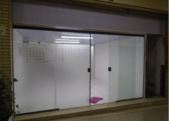 Loja Em Galeria Com 35,00m2, Ao Lado Metrô, Rua Santo Antônio, 234 - Bela Vista. - Md526