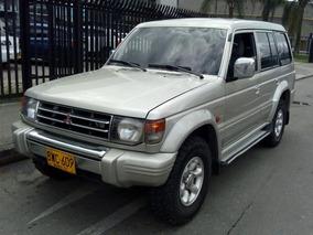 Camioneta Mitsubishi V6 3000 Wagon, 2006 Strato Perla.
