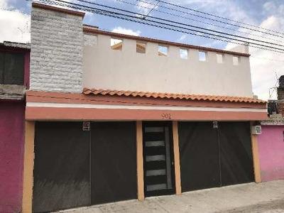 Casa Sola En Venta En Ocho Cedros, Toluca, México