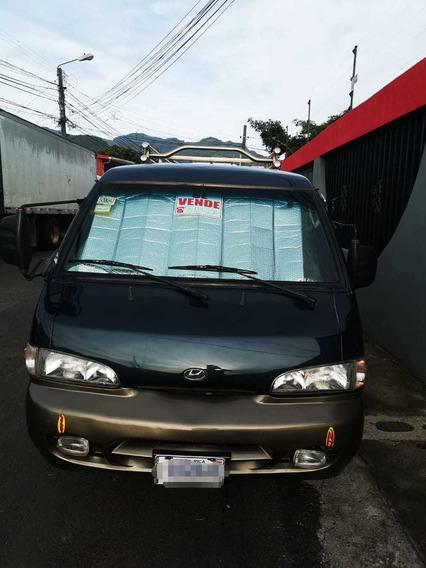 Hyundai Grace Microbús