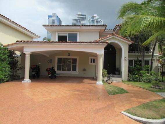 Casa En Venta En Costa Del Este #19-2651hel**