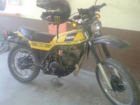 Yamaha 00400 Amarilla 1983