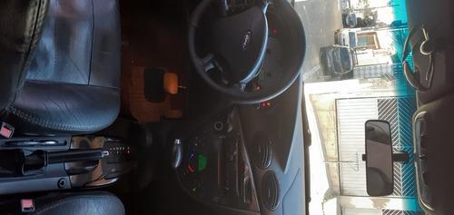 Ford Focus Ghia Automático 2.0