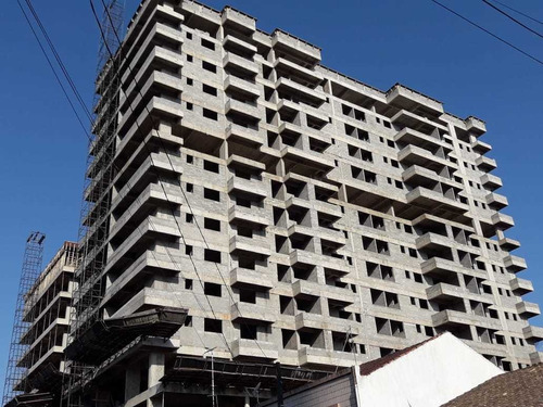 Imagem 1 de 13 de Amf108 Apartamento 2 Dormitórios- Prox Praia- 50 Mil Entrada