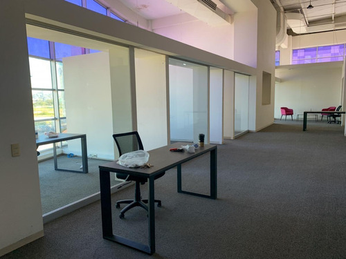 Imagen 1 de 26 de Local Para Oficina, Con Espacios Para Manejo De Grupo