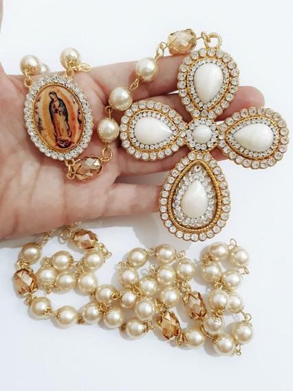 Terço De Noiva Dourado Cruz Exclusiva Trabalhada Em Detalhes, Pérolas De Vidro Cor Creme, Nossa Senhora De Guadalupe