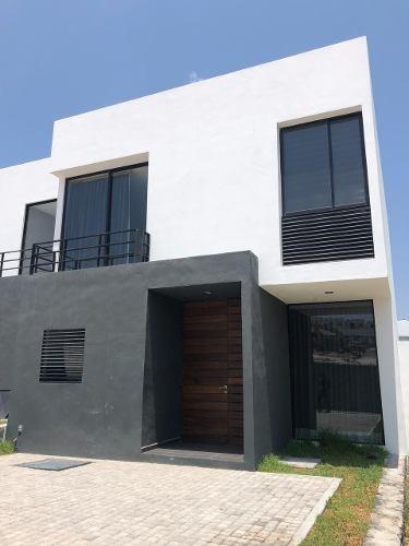 Casa Nueva En Venta 2,050,000 Zibata Queretaro