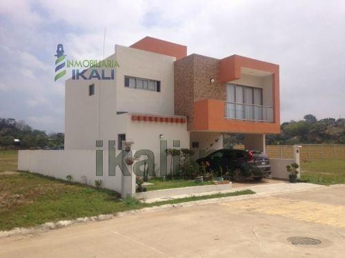 Casa Nueva 3 Habitaciones Fraccionamiento El Campanario Tuxpan Veracruz. Se Vende Casa Modelo Tochpan 2 Plantas En Una Nueva Colonia De La Ciudad, De 3 Recamaras, 2 1/2 Baños, Sala, Comedor, Cocina,