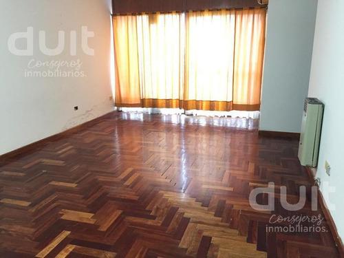 Amplio Departamento Un Dormitorio Con Balcón - Vista Al Frente