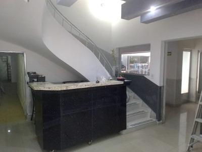 Edificio Con Excelente Ubicación En Colonia San Rafael,cdmx.