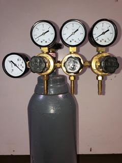 Regulador De Presion De 3salidas Para Chopera + Tubo Co2 5kg