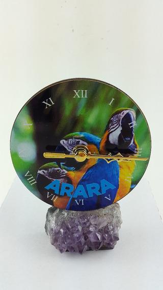 Relógio De Mdf Com Adesivo De Arara E Base De Ametista