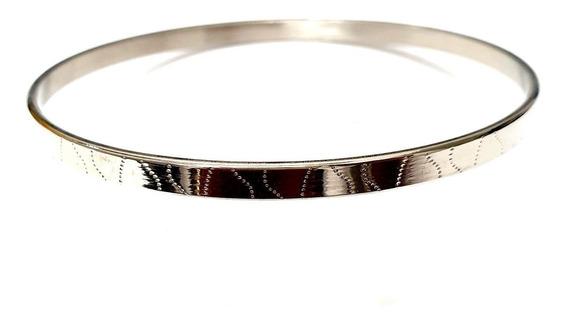 Bracelete Prateado Em Aço Inoxidável Com Relevo