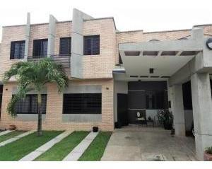 Townhouse En Venta Los Mangos Codigo 19-11201 Raco