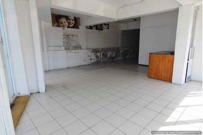 (crm-1404-3020) Renta De Céntrico Local Comercial! En Esquina Col. Miraval Clave Lr746