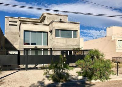 Se Vende Casa Moderna En B° Sur - Puerto Madryn
