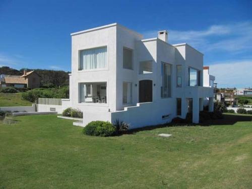 Casas En Alquiler 4 Dormitorios  Montoya Montevideo - Dl106