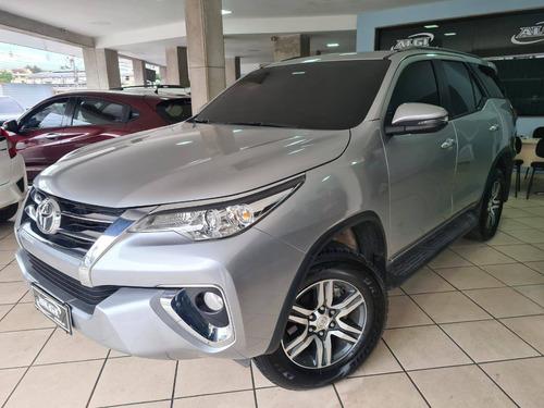 Imagem 1 de 10 de Toyota Hilux Sw4 2.7 Srv 7 Lugares 4x2 16v Flex 4p