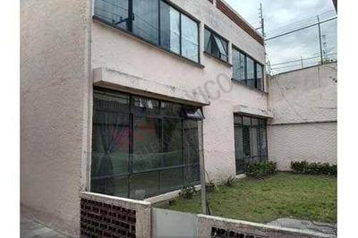 Casa En Venta Con Uso De Suelo Habitacional Y Comercial