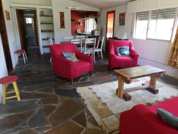 Casa 2 Dormitorios, Gran Jardín Con Sombra. Cerca De Playa