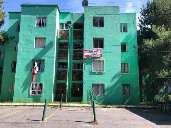 En Venta Departamento De 60 M2 Y 2 Habitaciones En La Unidad Habitacional La Providencia, Metepec