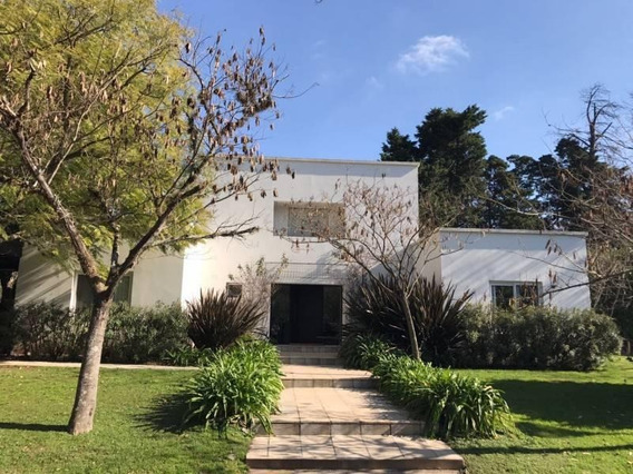 Casa En 2 Plantas En Martindale Cc