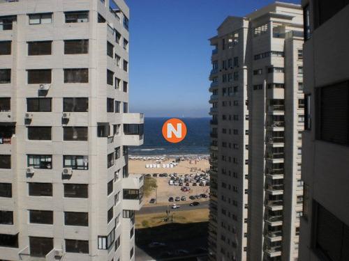 Apartamento En Venta Y Alquiler, Brava, Punta Del Este, 3 Dormitorios.- Ref: 3693