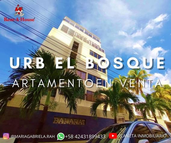 Penthouse Amoblado En Urb El Bosque 21-11398 Mgi
