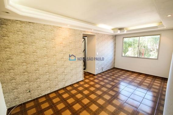 Apartamento Na Vila Das Mercês, Baixou Para 201 Mil !!!! Comércio Na Porta, 2 Dormitórios, 1 Vaga. - Bi26808
