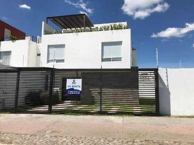 Amplia Casa Renta La Vista Residencial