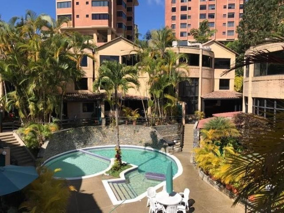 #20-348 Bello Townhouse En El Hatillo - Gilka Calvet