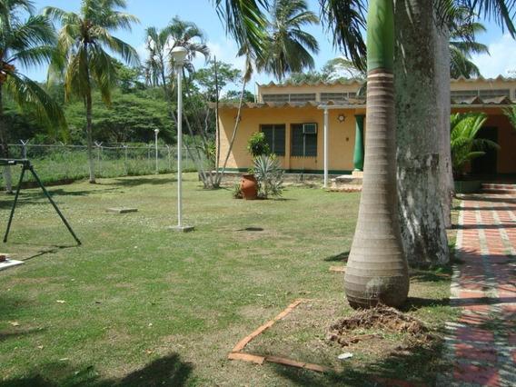 Casa En Venta En Distrito Silva, Tucacas