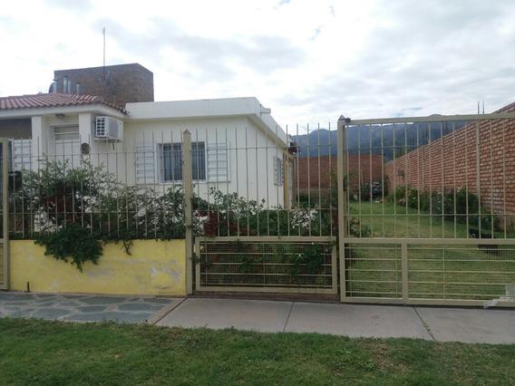 Casa En La Ciudad De La Punta