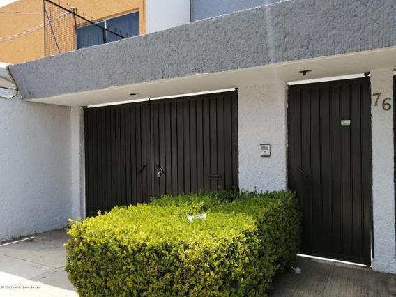 Casa En Renta En El Carmen Coyoacan, Coyoacan, Rah-mx-20-2491