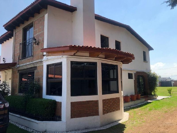 Casa En Venta En Metepec Estado De Mexico, Casa En Venta Con Un Terreno De 2,104 Metros.