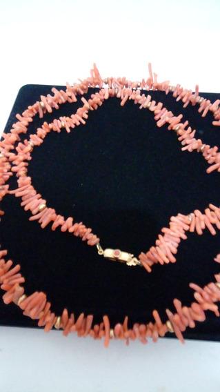 Colar Coral Antigo 45 Cm Com Ouro.