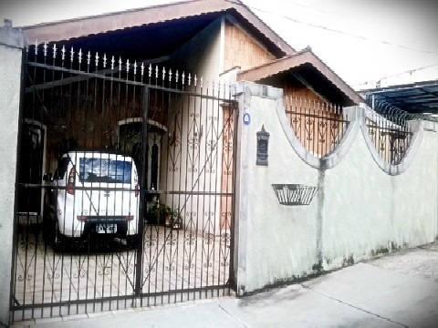 Casa - Venda - Parque Centenário - Cod. 476 - V476
