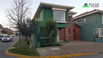 Casa En Venta De 4 Dorm. En Maipú