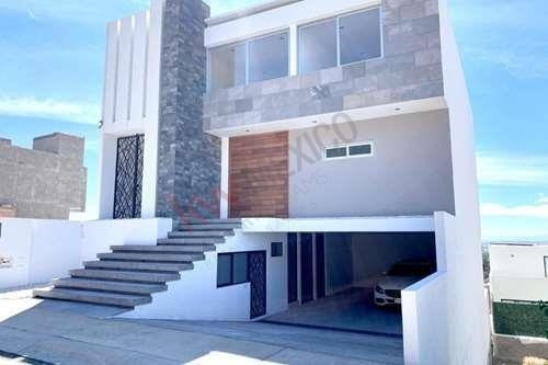 Estrena Esta Moderna Residencia De Exquisito Gusto En Juriquilla