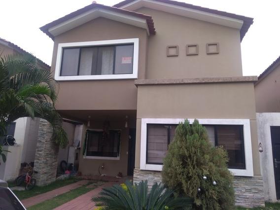 Casa Ciudad Celeste - Samborondón Exclusividad Y Confort