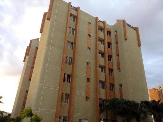 Apartamento En Alquiler Av. Bella Vista Mls #20-2580