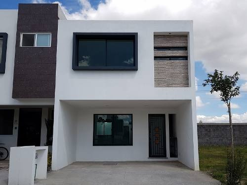 Casa En Venta Cumbres Residencial Rojas