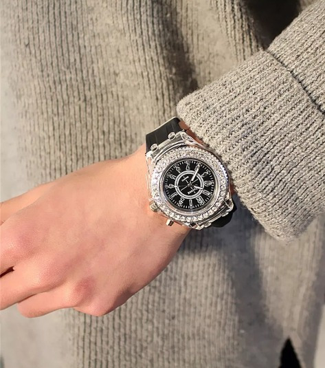 Reloj Marca Geneva Con Luz Color Negro