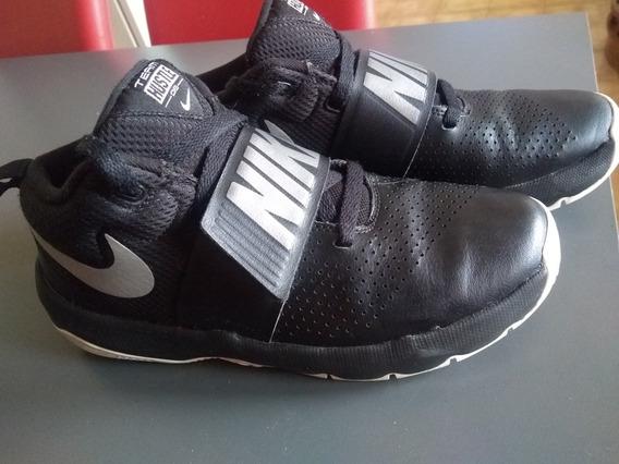 Zapatillas Nike Team Hustle D8