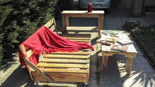 Imagen 1 de 6 de Cama Sillón Sofa Pallet  Madera ( Rustica Lijada Y Pintada)